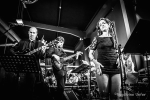 B&W-TheGrundClub-Voices-Sobogusto-Luxembourg-28102015-by-Lugdivine-Unfer-237