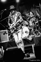 B&W-CarlWyatt-and-TheDeltaVoodooKings-BluesnRockinBeaufort-Luxembourg-13082016-by-Lugdivine-Unfer-465