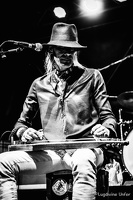 B&W-CarlWyatt-and-TheDeltaVoodooKings-BluesnRockinBeaufort-Luxembourg-13082016-by-Lugdivine-Unfer-529